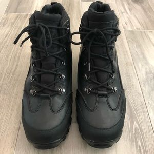 Wolverine Size 10.5M Black Leather Ankle Boots